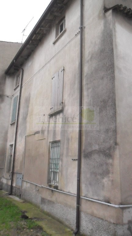 MEDOLE RUSTICO INDIPENDENTE - https://media.gestionaleimmobiliare.it/foto/annunci/101130/105730/800x800/sam_0228.jpg