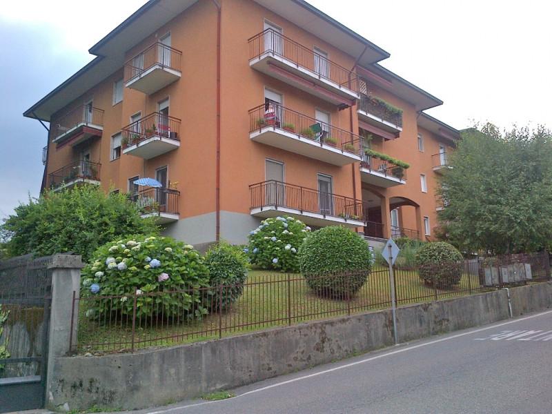 Appartamento in vendita a Casnate con Bernate, 3 locali, zona Zona: Bernate, prezzo € 145.000   CambioCasa.it