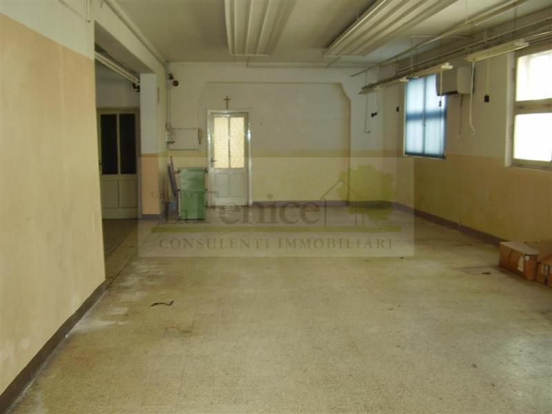 CASTEL GOFFREDO LABORATORIO CON UFFICIO - https://media.gestionaleimmobiliare.it/foto/annunci/110402/138274/800x800/p8050030.JPG