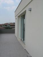 nuovo attico 2 livelli  full optional 2 camere terrazzo 120mq finiture lusso