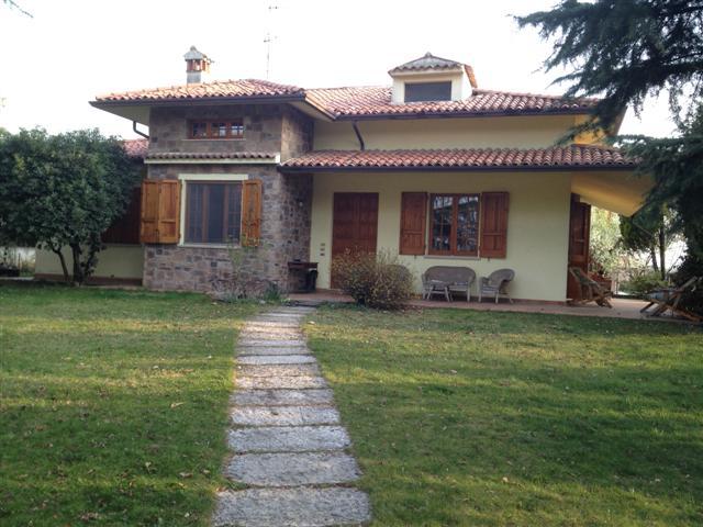 Villa in buone condizioni arredato in vendita