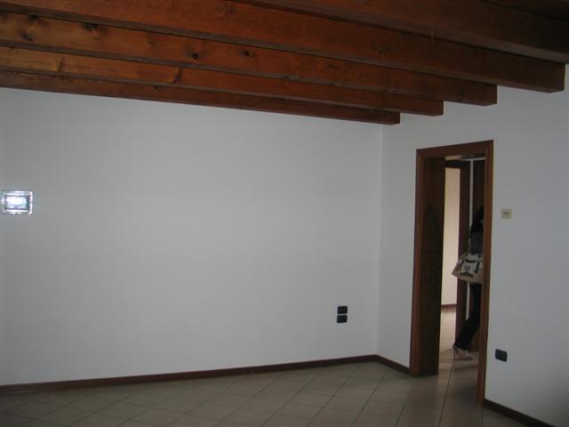 Appartamento in buone condizioni in vendita Rif. 4062228