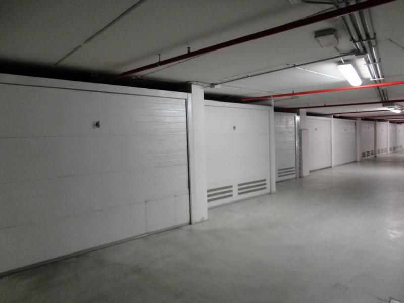 Box e posti auto in ottime condizioni in vendita Rif. 4063176