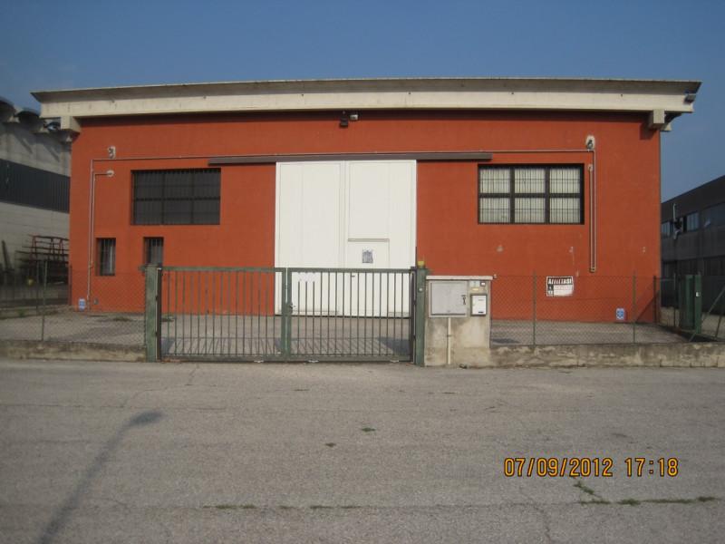 Capannone in affitto a Illasi, 9999 locali, zona Località: Illasi, prezzo € 1.200 | CambioCasa.it