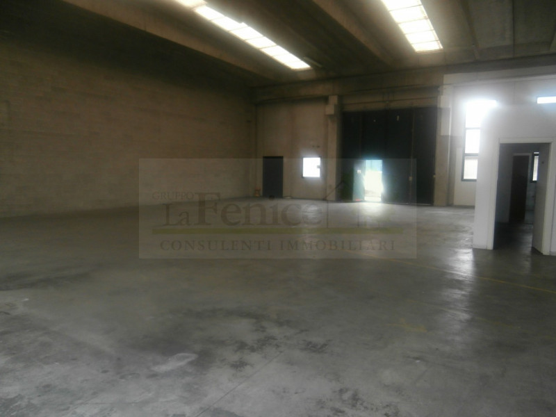 CASTEL GOFFREDO CAPANNONE INDIPENDENTE - https://media.gestionaleimmobiliare.it/foto/annunci/130116/292337/800x800/002__4_wmk_0.jpg