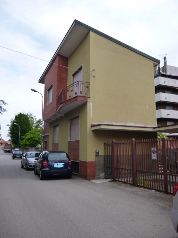 Villa in vendita a Turbigo, 6 locali, zona Località: Turbigo - Centro, prezzo € 175.000 | CambioCasa.it
