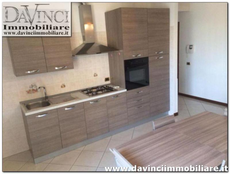 Appartamento in ottime condizioni arredato in vendita Rif. 9565626