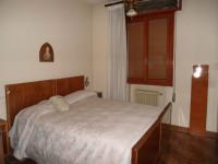 In Bifamiliare al primo piano 3/4 camere matrimoniali e garage doppio. AZ4