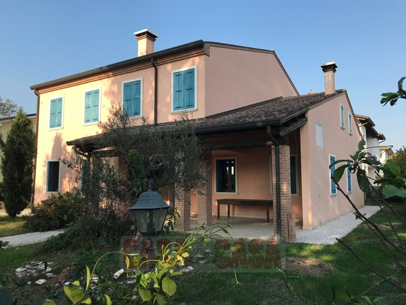 Casa Indipendente in ottime condizioni in vendita Rif. 4066620