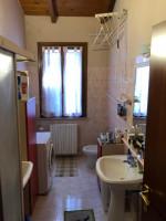 attico in vendita Luzzara foto 007__07bagno.jpg