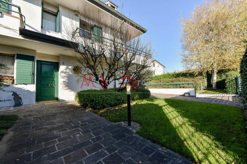 Villa Bifamiliare in Vendita a Selvazzano Dentro