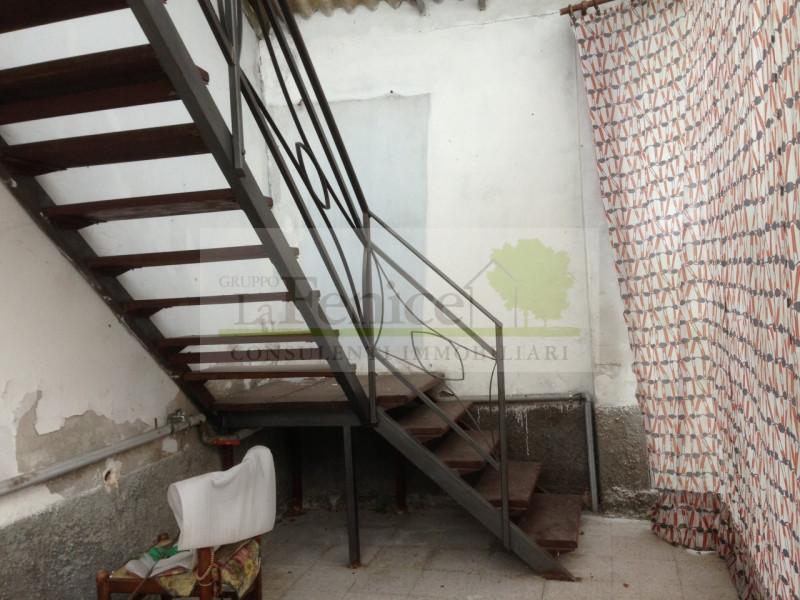 REDONDESCO RUSTICO INDIPENDENTE - https://media.gestionaleimmobiliare.it/foto/annunci/140505/604147/800x800/001__img_4601_wmk_0.jpg