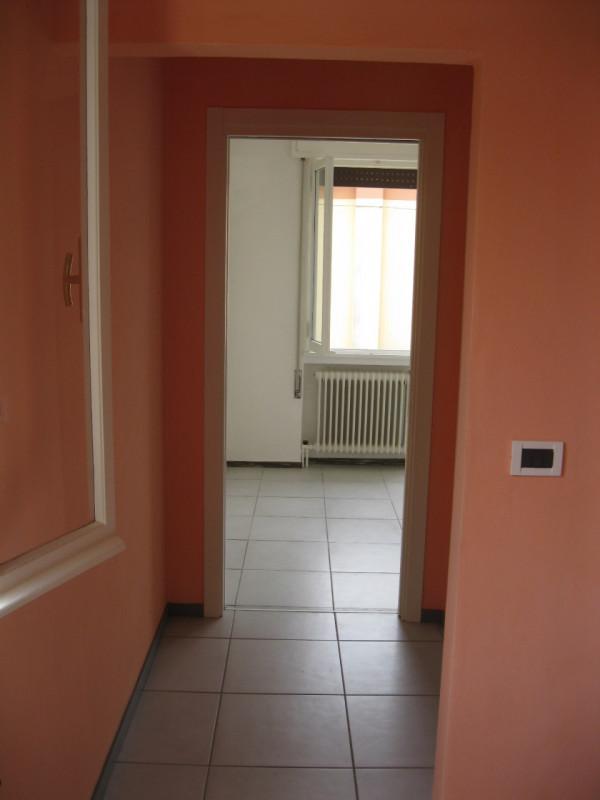 Bifamiliare in affitto a Cadoneghe - https://media.gestionaleimmobiliare.it/foto/annunci/140507/604766/800x800/010__disimpegno.jpg