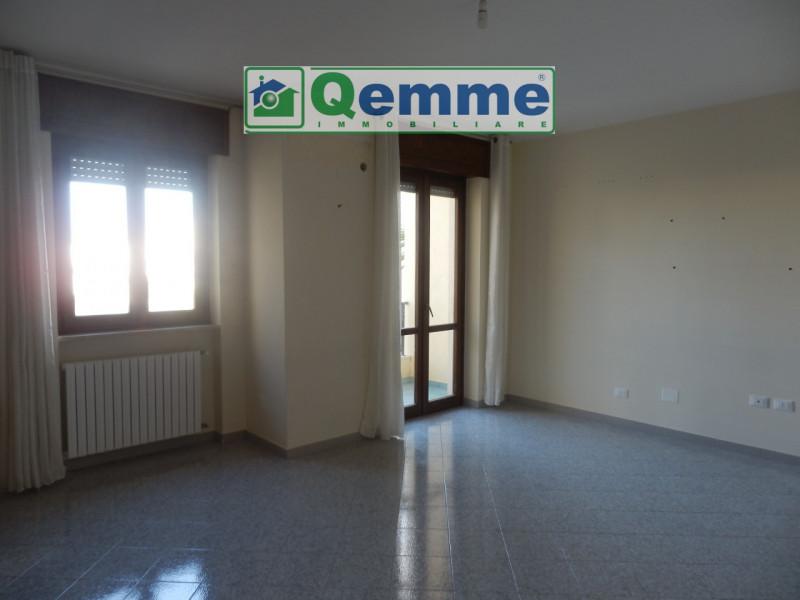Appartamento in vendita a Lequile, 4 locali, zona Località: Lequile, prezzo € 112.000 | CambioCasa.it