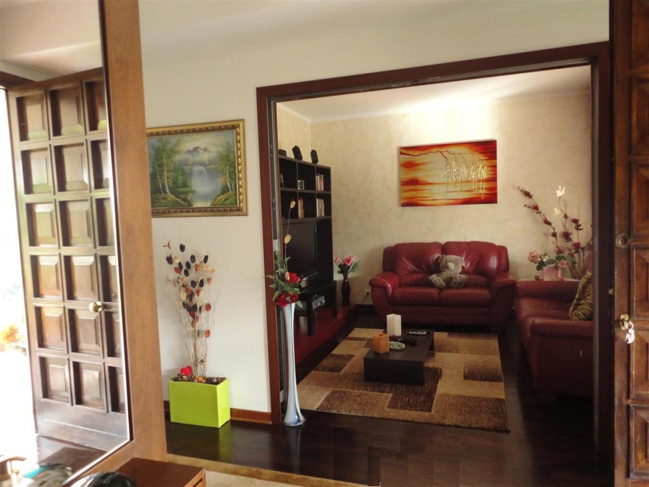 D147 Villa Singola ad Abano Terme con ampio giardino piantumato https://media.gestionaleimmobiliare.it/foto/annunci/141016/725241/1280x1280/002__05_ingresso.jpg