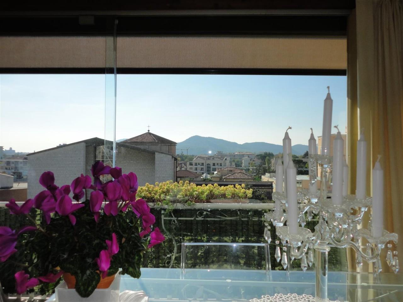 Attico con favolosa terrazza abitabile ad Abano Terme https://media.gestionaleimmobiliare.it/foto/annunci/141201/735644/1280x1280/010__dsc07001_large.jpg