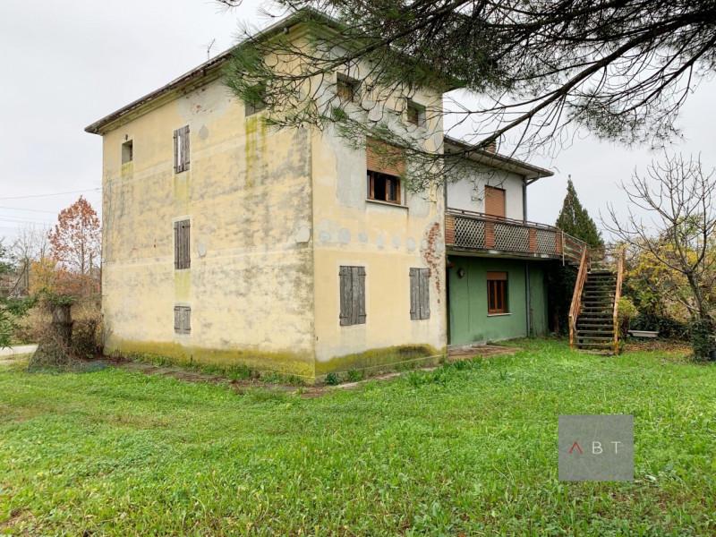 Casa Indipendente da ristrutturare in vendita Rif. 11673593