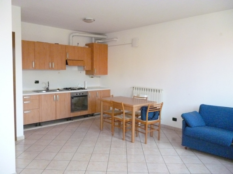 Appartamento in affitto a Turbigo, 2 locali, zona Località: Turbigo - Centro, prezzo € 450 | CambioCasa.it