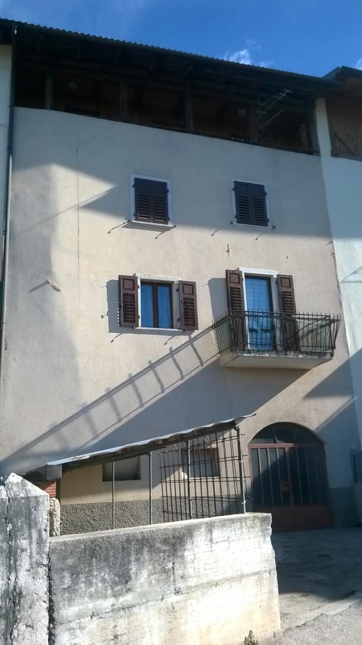 Coredo - Appartamento in edificio di due unità.