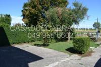 bifamiliare in vendita Due Carrare foto 001__giardino.jpg