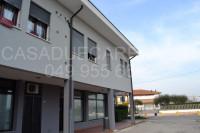 appartamento in vendita Due Carrare foto 008__parte_commerciale.jpg