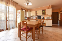 appartamento in vendita Due Carrare foto 002__gruppovela_due_carrare_cucina.jpg