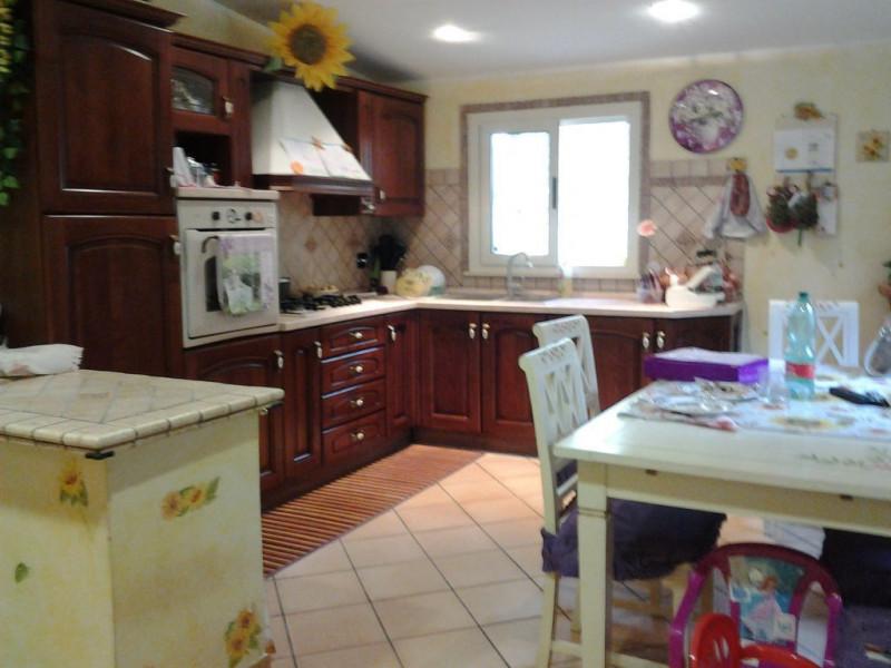 Villa in vendita a Palombara Sabina, 2 locali, zona Località: Palombara Sabina, prezzo € 115.000 | CambioCasa.it