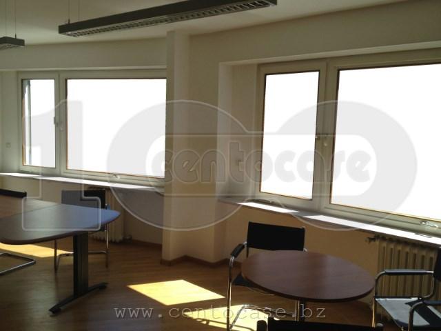 Bz, centro pedonale, ufficio e luminoso