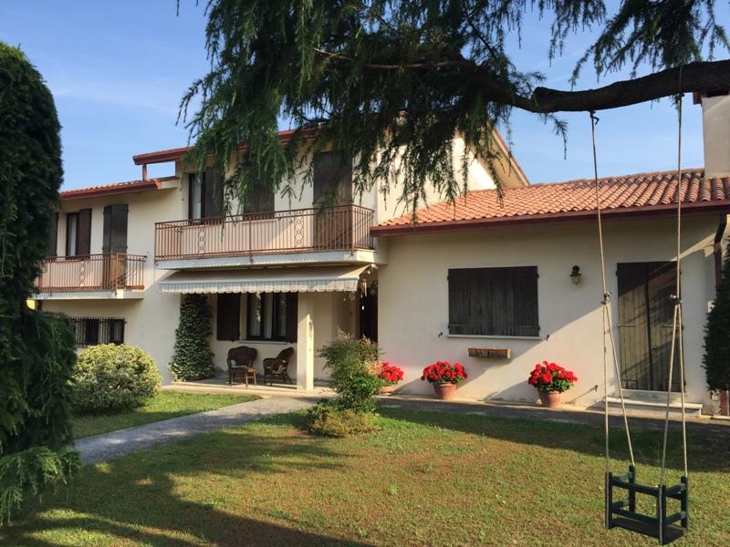Casa Indipendente in buone condizioni in vendita Rif. 4073950