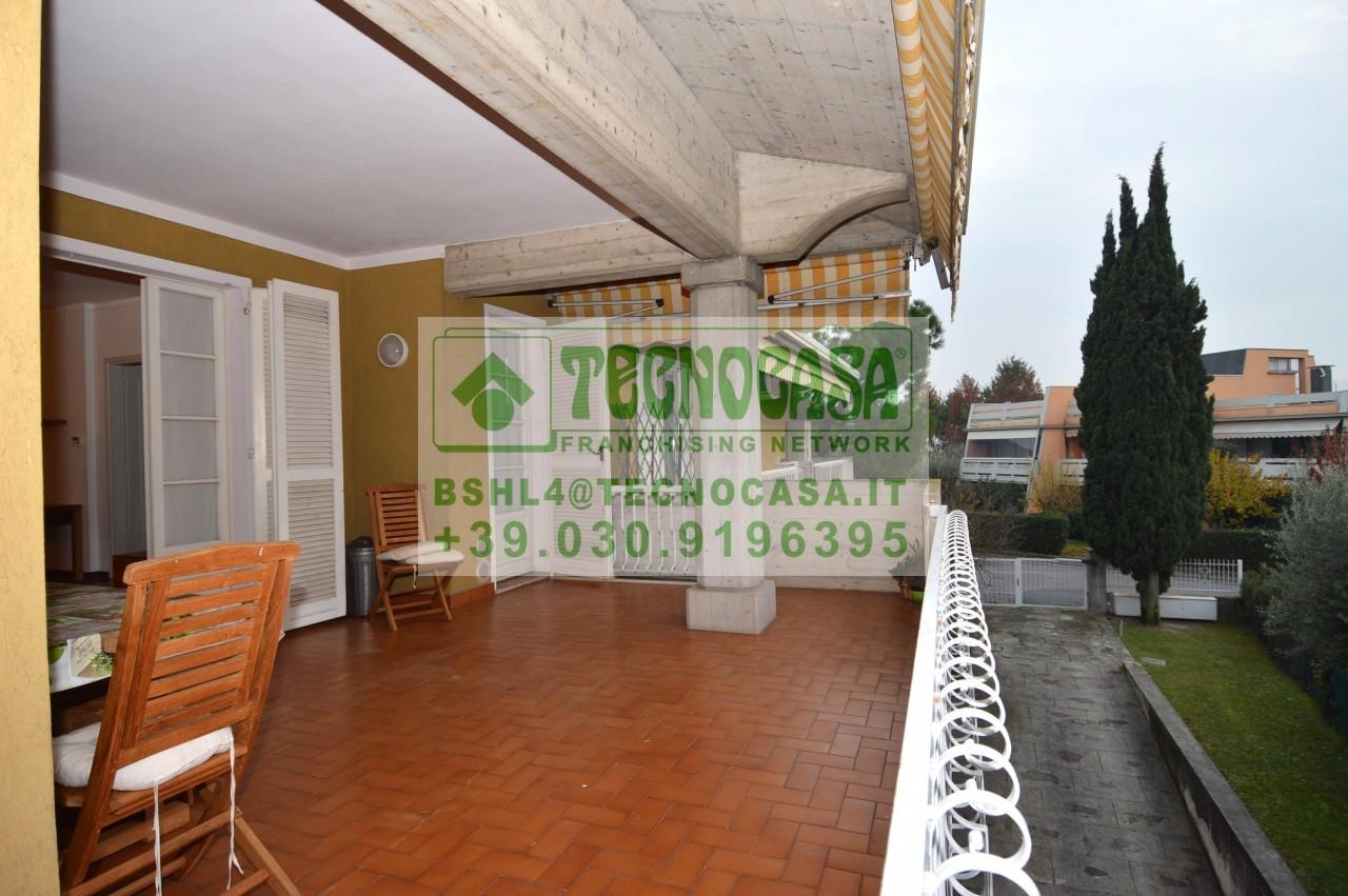 Spazioso trilocale in via Morandi, Sirmione