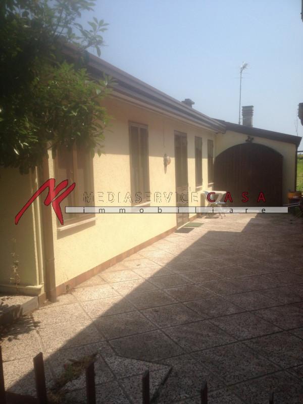 Casa Indipendente in discrete condizioni in vendita Rif. 11505779