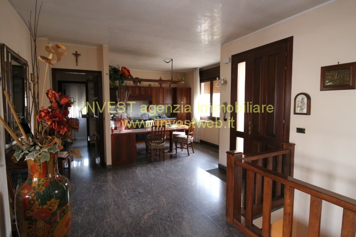 Villa in vendita a Porto Viro, 5 locali, zona Località: Porto Viro, prezzo € 250.000 | CambioCasa.it