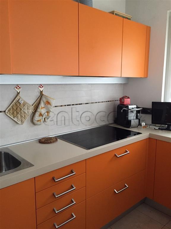 Bolzano, zona Rencio, appartamento trilocale con terrazza