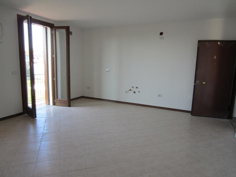 Appartamento in vendita a Megliadino San Fidenzio, 3 locali, zona Località: Megliadino San Fidenzio, prezzo € 105.000 | CambioCasa.it