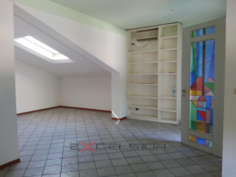 Appartamento in affitto Rif. 4075619