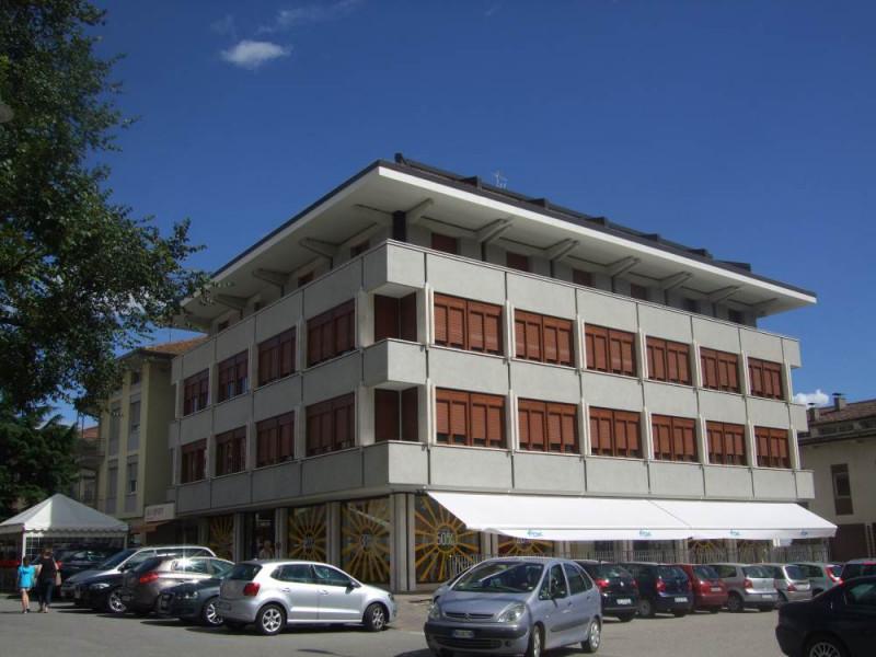 Ufficio / Studio in affitto a Cles, 9999 locali, prezzo € 1.430 | CambioCasa.it