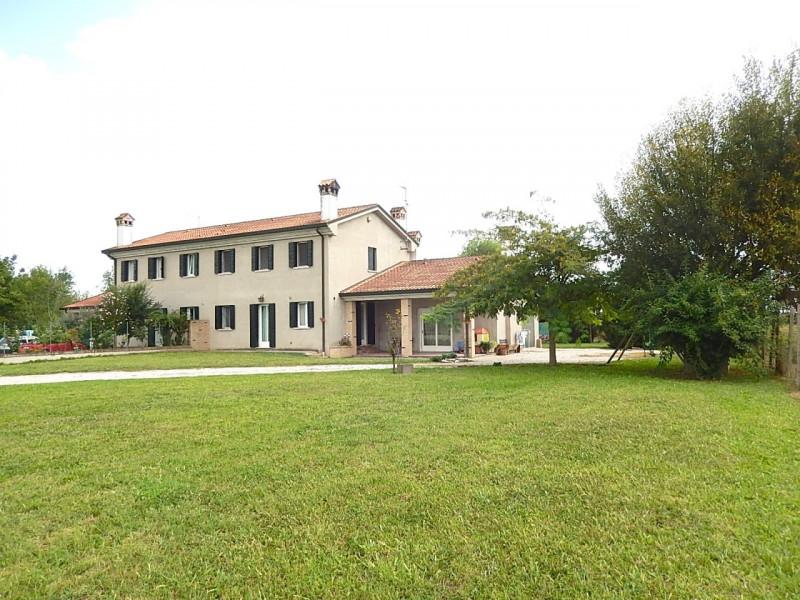 Appartamento in ottime condizioni in vendita Rif. 4076478