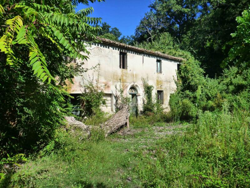 Rustico / Casale da ristrutturare in vendita Rif. 10132382