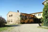 Grosses Landgut mit Meerblick, 76 ha Land, Pisa Toskana