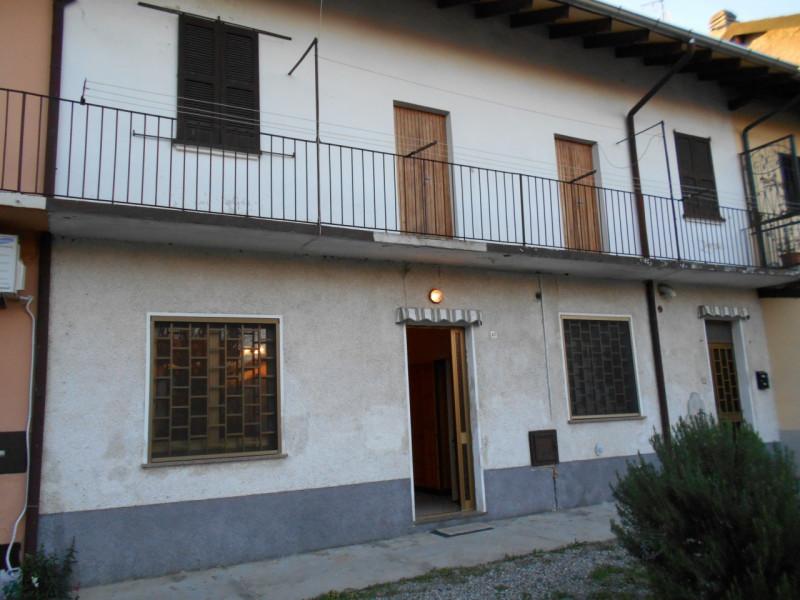 Villa in vendita a Nosate, 3 locali, zona Località: Nosate - Centro, prezzo € 52.000 | CambioCasa.it