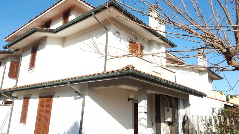 Villa in ottime condizioni in vendita Rif. 11656941