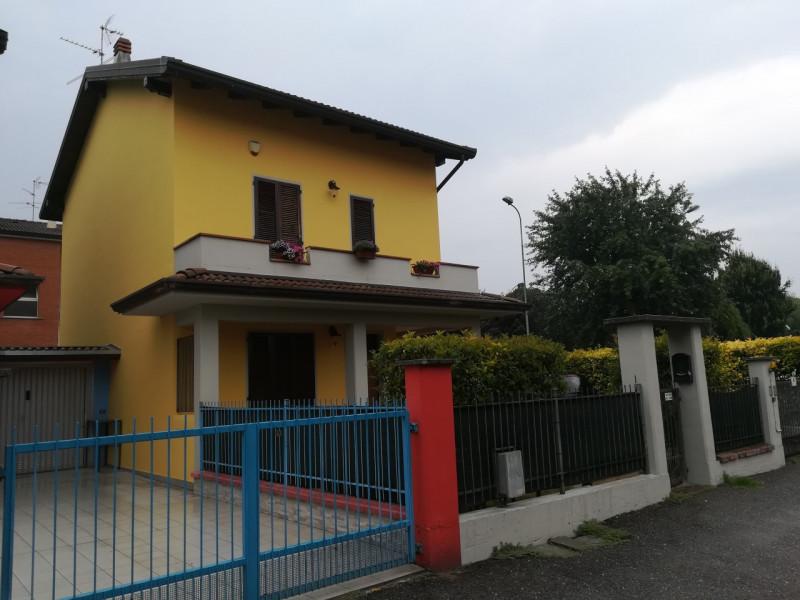 Appartamento in ottime condizioni in vendita Rif. 4079969