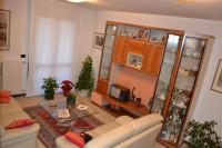 Ampio appartamento tricamere ottimamente rifinito su due livelli