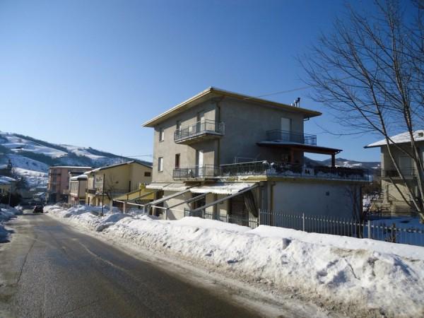 Appartamento in vendita a Belforte all'Isauro, 6 locali, prezzo € 105.000 | CambioCasa.it