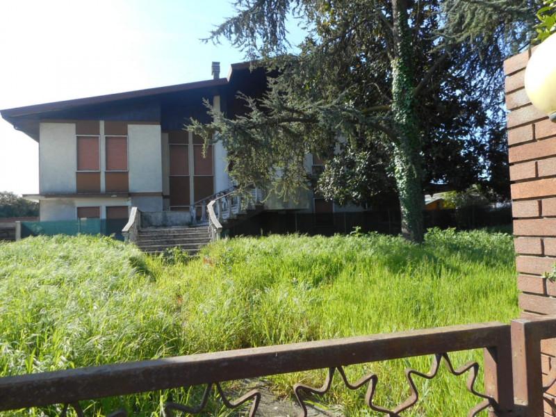 Casa Indipendente in discrete condizioni in vendita Rif. 4082603