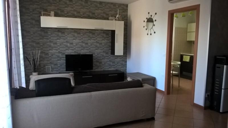 Appartamento in buone condizioni in vendita Rif. 4082641
