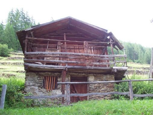Rustico / Casale da ristrutturare in vendita Rif. 4082840