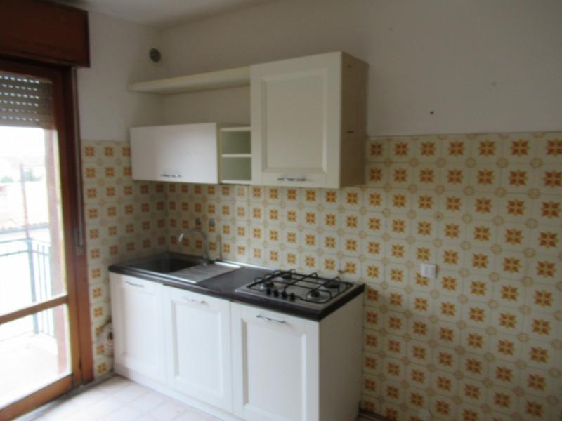 Appartamento da ristrutturare arredato in vendita Rif. 6168664