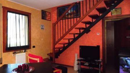 Appartamento in buone condizioni in vendita Rif. 4084519