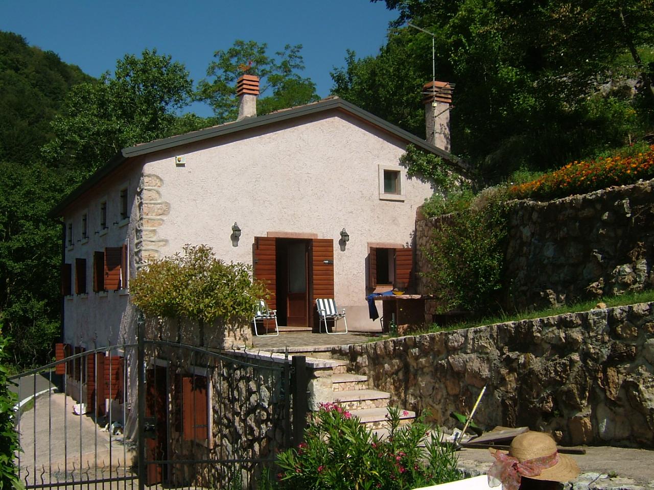Villa A Tre Piani villa in vendita a badia calavena con 2 bagni, 4 camere
